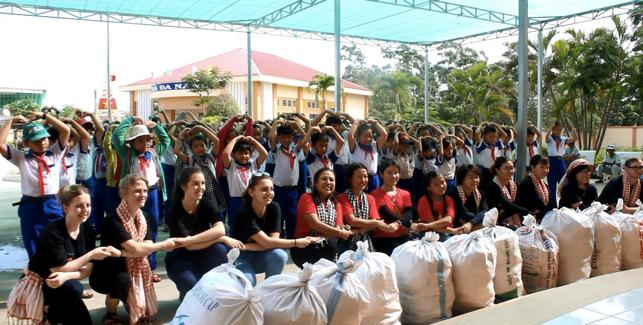 Nettoyage et sensibilisation à l'environnement dans le Delta du Mékong